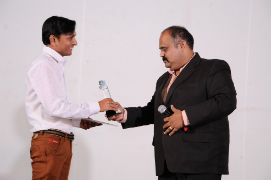 Rajnikant Limbachiya got Customer Service of the Year Award